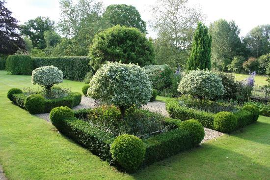 Road Green House: The formal garden