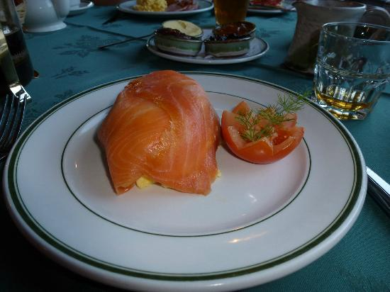 Rusheen Lodge: Smoked salmon and scrambled eggs.