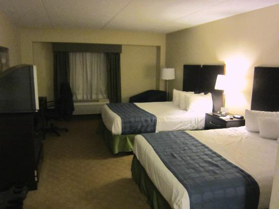 BEST WESTERN PLUS Waynesboro Inn & Suites Conference Center: Room with two queen beds