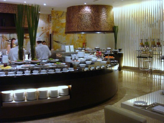     : Daily breakfast buffet