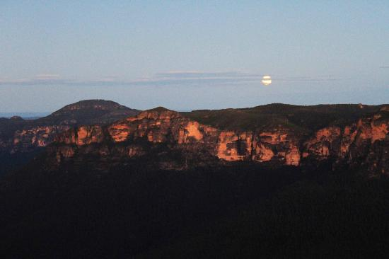 Govetts Leap by the Full Moon