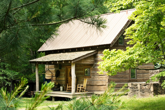 Lake Eden Events &amp; Lodging: Lake Eden Cabin