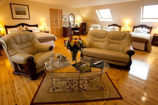 The Tides Guesthouse Ballybunion: Master Suite Room