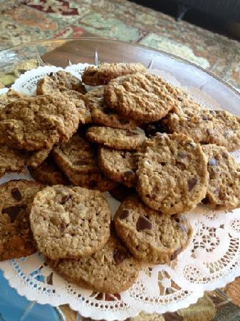 Arroyo Vista Inn: delicious cookies baked from scratch on daily basis.