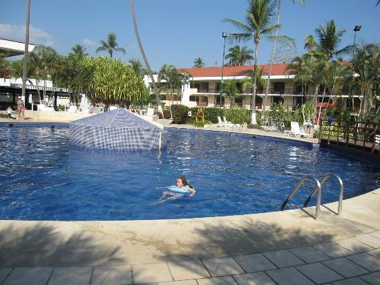 BEST WESTERN Jaco Beach All Inclusive Resort: pool
