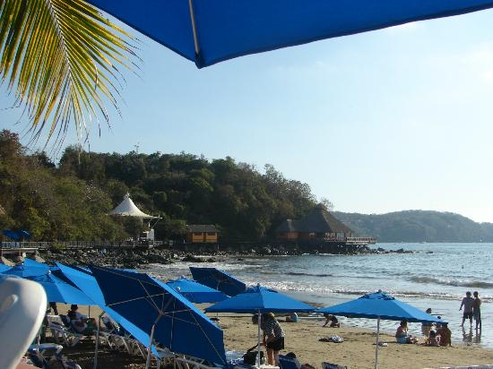 Azul Ixtapa: On the beach