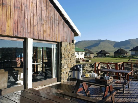 Sani Pass, Lesotho: Sani Top Lodge's deck
