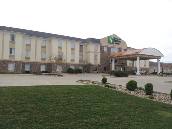 Holiday Inn Express &amp; Suites Normal