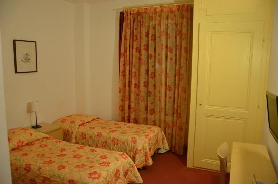 Hotel du Marche: Bedroom view 1