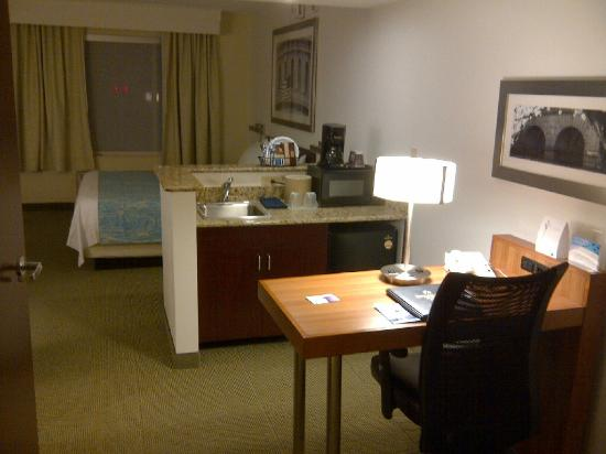 SpringHill Suites Herndon Reston: Suite