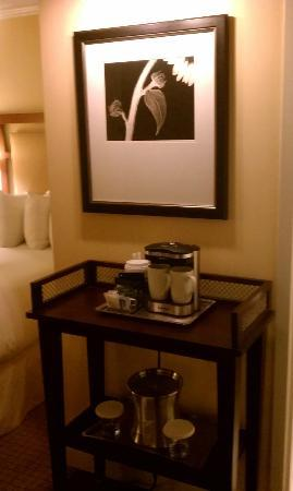 Hilton North Raleigh/Midtown: coffe station