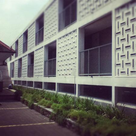 The clubhouse picture of concordia hotel bandung for Hotel exterior design