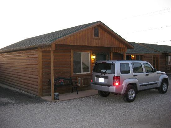 Gilly's Inn & Convenience Store: Cabin