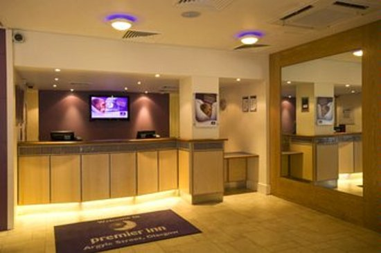 Premier Inn Glasgow City Centre - Argyle St: Reception