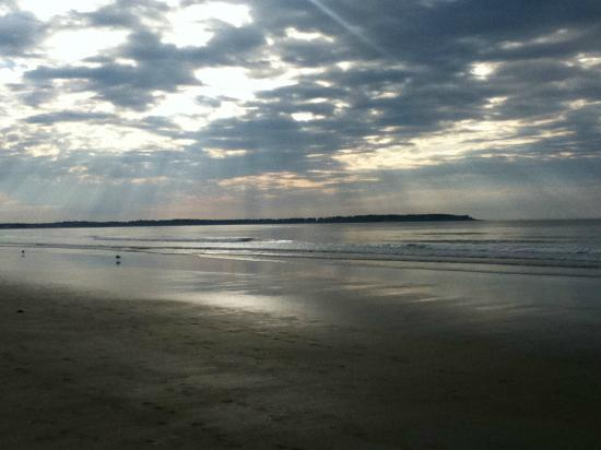 Royal Anchor Resort: Old Orchard Beach in the Morning