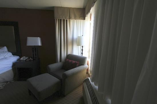 Holiday Inn Pensacola-North Davis Highway: bedroom