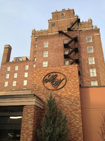 Marcus Whitman Hotel & Conference Center: The hotel.