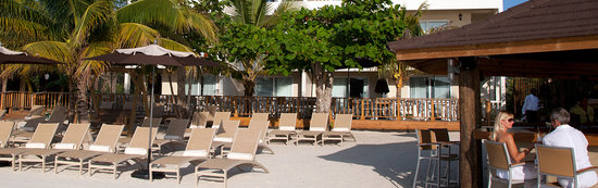 Sandy Haven Resort: Beach Deck