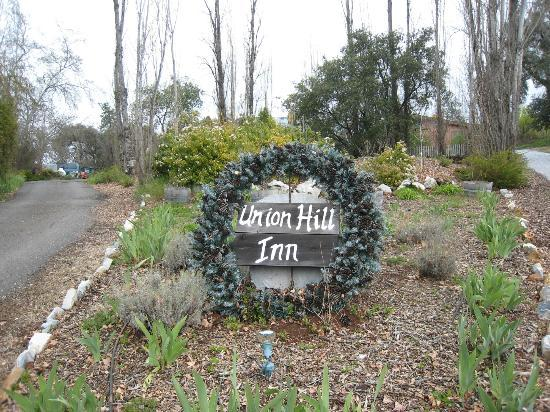 Entrance to the Union Hill Inn