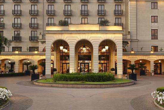 Sheraton Addis: Hotel Exterior