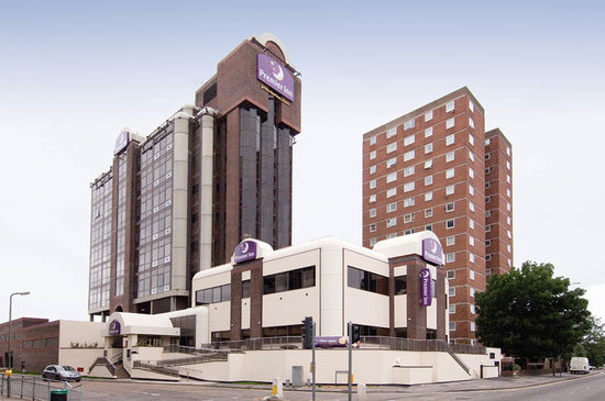 Premier Inn Sunbury - Kempton Park