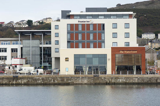 Premier Inn Swansea Waterfront Hotel