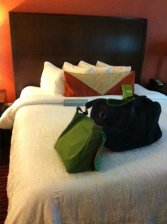 Hilton Garden Inn Clifton Park: Bed