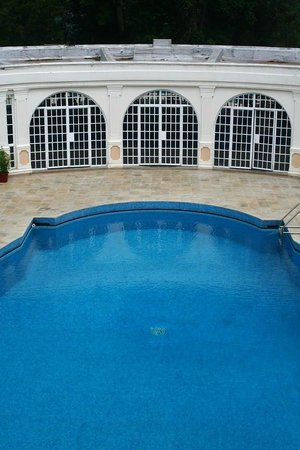 Sovereign Suites, Nairobi - Sun Africa Hotels: Swimming Pool