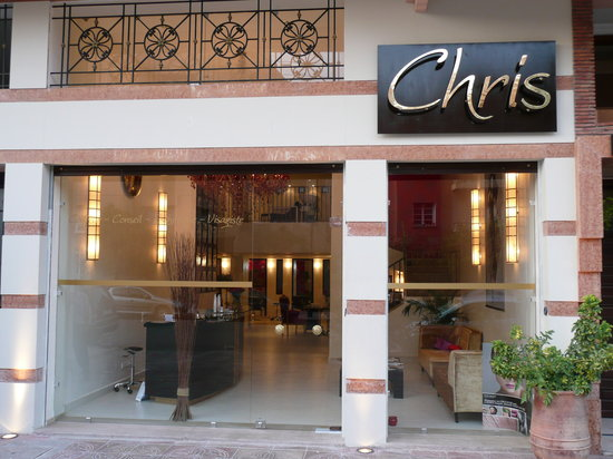 Salon de coiffure chris picture of salon coiffeur chris - Local a louer pour salon de coiffure ...