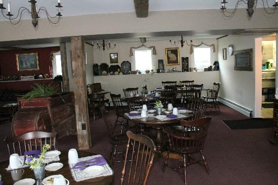 Inn at Mount Snow: Dining Room