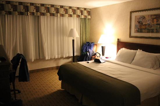 Holiday Inn Express Cincinnati West: Zimmer