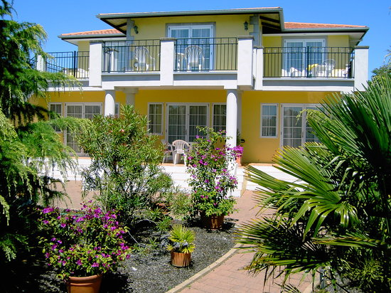 Beachside Villas Motel