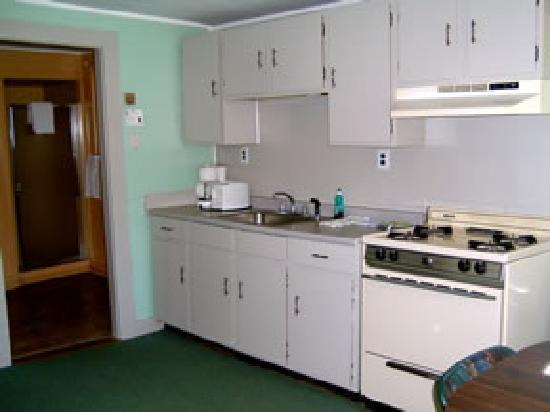 A Better Life Cabins: Cottage #9 - Kitchen