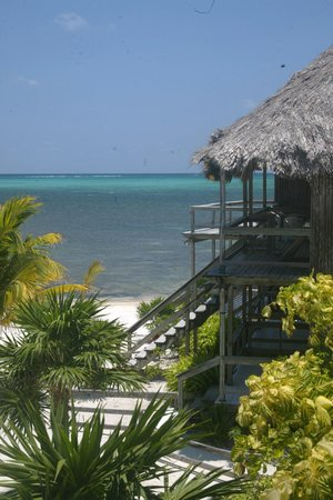 Exotic Caye Beach Resort: All rooms on the beach