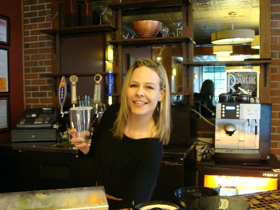 Q Hotel & Spa: Brandi-The friendliest bartender at the Q!