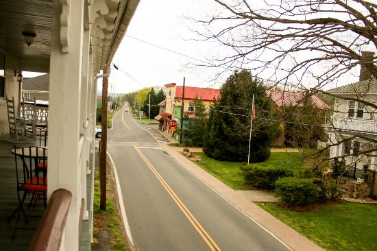 Hopkins Ordinary Bed & Breakfast: Town from Deck