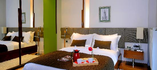 Aura Suites: MAIN BEDROOM