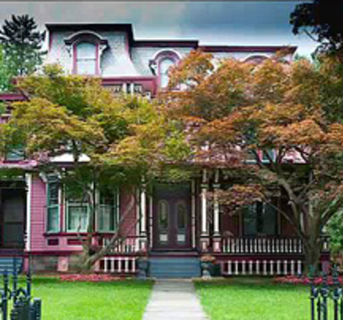 Elmira&#39;s Painted Lady Bed and Breakfast