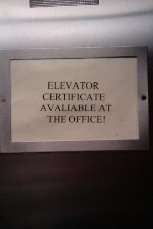 Comfort Inn: elevators unsafe
