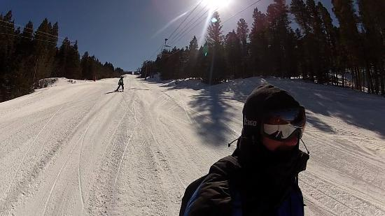 Angel Fire Resort: Heading to the bottom for another run.