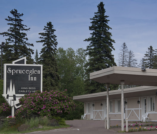 Spruceglen Inn