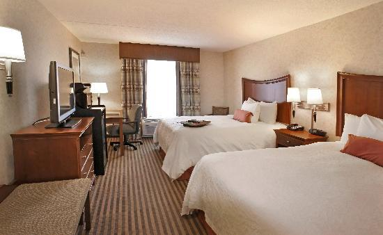 Hampton Inn &amp; Suites Richmond/Virginia Center: Double Queen Standard Room