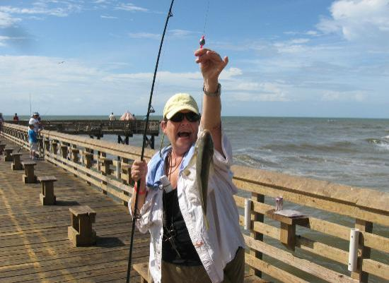 Wggf girls showing their stuff picture of galveston 39 s for Galveston jetty fishing report