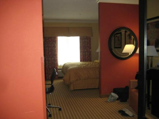 Comfort Suites: Very spacious King Suite