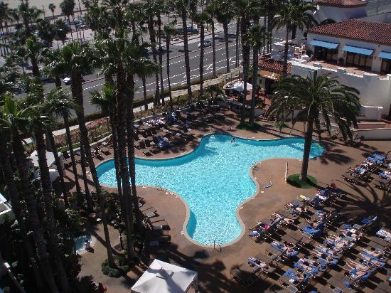 Hilton Huntington Beach Blick Zum Pool Picture Of The