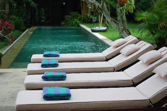 Villa Pantulan: towels always ready for us