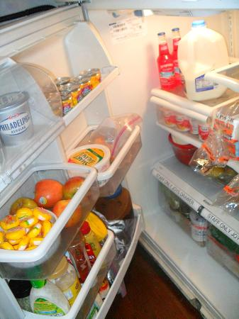 The Villa Toscana: food in self serve fridge