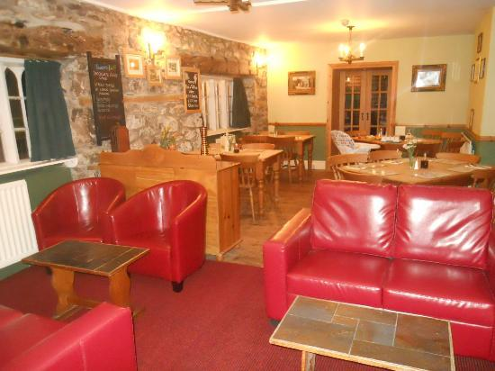 Tyn-y-Groes Hotel: The other half of the bar/dining room