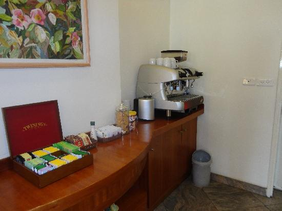 Abratel Suites Hotel: Free Coffee & Tea 24 Hours