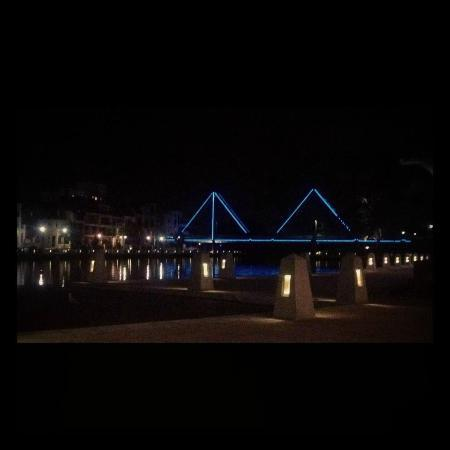 ‪‪Sebel Residence East Perth‬: Claisebrook Cove with Trafalgar Bridge‬